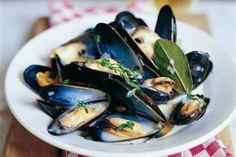 9 Fabulous French Recipes For Bastille Day // moules marinieres, mussels Traditional French Recipes, Classic French Dishes, French Food, French Style, Seafood Recipes, Cooking Recipes, Restaurant Recipes, Good Food Channel, Bastille Day