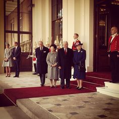 The Queen, The President of the Republic of Singapore, The Duke of Edinburgh and the President's wife Mrs. Tony Tan Keng Yam arrive at Buckingham Palace Oct 21 2014 #StateVisit