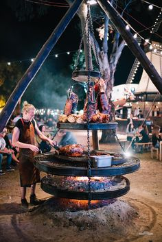 Discover thousands of images about Dutch-style BBQ Pork Outdoor Oven, Outdoor Fire, Outdoor Cooking, Backyard Bbq Pit, Fire Pit Cooking, Fire Pit Grill, Outdoor Restaurant, Bbq Area, Outdoor Kitchen Design