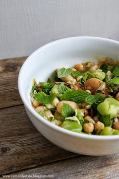 Bean salad with mint