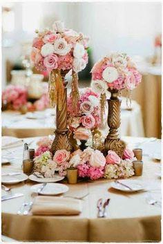 Pink and gold wedding decor Baroque Wedding, Pink And Gold Wedding, Mod Wedding, Dream Wedding, Wedding Day, Wedding Blog, Elegant Wedding, Gold Centerpieces, Wedding Reception Centerpieces