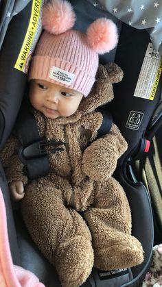 Baby Neugeborenes Babymädchen Baby im Freien Baby monatlich Baby diy Baby A Cute Little Baby, Baby Kind, Pretty Baby, Cute Baby Girl, Baby Girl Newborn, Baby Baby, Cute Newborn Baby Girl, Baby Outfits, Baby Kleidung Set