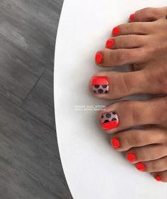 Pretty Toe Nails, Cute Toe Nails, Toe Nail Art, Fancy Nails, Feet Nail Design, Nail Art Design 2017, Cute Pedicure Designs, Toe Nail Designs, Cute Pedicures