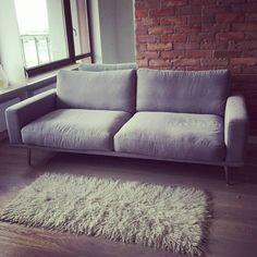 Sofa Carlton w tkaninie Frisco ❤ Pani Ewie bardzo dziękujemy za przesłanie zdjęcia!     Carlton sofa in beutiful Frisco fabric.   BoConcept Trójmiasto    #customer #boconceptathome #thanks #goodmorning #sofa#carlton#grey#frisco#highquality#rug#comfortable#armchair#designers#luxury#boconcept#boconceptgdynia#designlovers#interior#furniture#design#urban#danish#beautiful#interiors#interiordesign#czerwonacegła #womanstyle @boconcept_official
