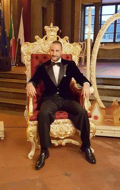 Gregorio Savio on the throne Savio Firmino #throne #luxury #gold #royal