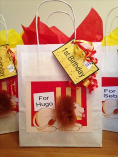 Dear zoo party bags with furry lion Party bags for kids Find us on Facebook Crofty75@aol.com 07799434226 Zoo 1st Birthday Party, Harry Birthday, Animal Birthday, Birthday Ideas, Dear Zoo Party, Lion Party, Birthday Chalkboard, Safari Party, Party Bags