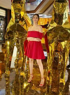 Bollywood Girls, Bollywood Stars, Bollywood Fashion, Bollywood Actress, Beautiful Indian Actress, Beautiful Actresses, Glamour World, Dress First, Indian Dresses