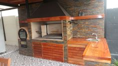 QUINCHO J.M. ALVAREZ Outdoor Kitchen Grill, Outdoor Oven, Outdoor Kitchen Design, Outdoor Cooking, Patio Design, House Design, Parrilla Exterior, Built In Braai, Cool Garages