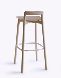 Branca Stool is a minimalist design created by London-based design firm Industrial Facility. To allow free movement at stool height, the seat is soft and open from 270 degrees. White Bar Stools, Wooden Bar Stools, Wood Stool, Kitchen Stools, Counter Stools, Art Furniture, Furniture Design, Home Bar Areas, Bar Cart Decor