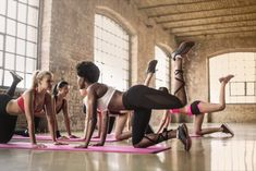 Hot Yoga: 5 Reasons Why It Is Great For You - iyogazen.com Gopro, Beautiful Yoga Poses, Home Yoga Practice, Ultra Hd 4k, You Fitness, Fitness Wear, Do Exercise, How To Do Yoga, Workout Wear