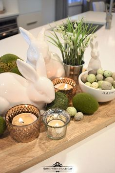 If you are looking for some Tips for Creating Simple Spring or Easter Decor, stop by my new post with some cute and festive ideas! # easter table decor Tips for Creating Simple Spring or Easter Decor - Home with Holliday Easter Dinner, Easter Brunch, Easter Party, Diy Osterschmuck, Easy Diy, Fun Diy, Easter Table Settings, Setting Table, Diy Ostern