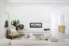 Lounge details—House By Three Birds Renovations x Sophie Bell, featuring Dulux White on White. My Living Room, Living Area, Living Room Decor, Living Spaces, Kitchen Living, Three Birds Renovations, Family Room Design, Open Plan Living, Beautiful Interiors
