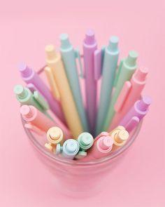 Pen Sets, Gel Pens, Ink Color, Good Mood, Colour Black, Smudging, Macarons, Students, Smooth