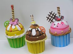 Foam Crafts, Diy And Crafts, Arts And Crafts, Decoupage Jars, Cupcake Crafts, Chef Party, Cake Show, Ice Cream Candy, Candy Crafts