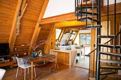 House Tour: An Artist's 1963 A-frame Lux Lodge | Apartment Therapy