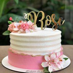 Nenhuma descrição de foto disponível. 7 Cake, No Bake Cake, Cupcake Cakes, Beautiful Birthday Cakes, Beautiful Cakes, Amazing Cakes, Cake Decorating Videos, Cake Decorating Techniques, Sandwich Torte