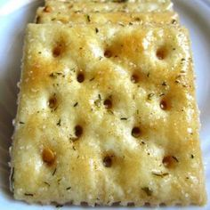 Fire Crackers Recipe ~ Seasoned saltine crackers that are simple to make and add a special touch for your dips and spreads at parties…