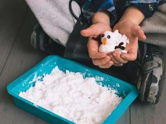 Cool project from http://www.kiwicrate.com/projects/Instant-Sensory-Snow/2548: Instant Sensory Snow