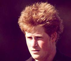 il principe Harry non intende rinunciare alla gara estrema prevista http://tuttacronaca.wordpress.com/2013/10/28/frattura-regale-harry-si-rompe-un-dito-del-piede-ma-corre-al-polo/