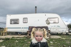 These fascinating pictures captured over a decade show the secret lives of Irish travellers. Photographer Joseph Philippe Bevillard shares work from his ongoing… Dark Photography, Artistic Photography, Street Photography, Joseph, Face Lace, Walking People, Film Inspiration, Portraits, Illustrations