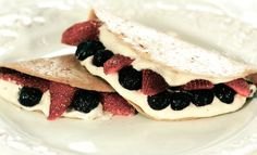 Raw Strawberry Banana Crepes-- Wow! Sounds so indulgent and yet it's healthy!
