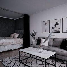 Studio Apartment Living, Small Apartment Interior, Studio Apartment Decorating, Studio Living, Apartment Layout, Apartment Design, One Room Apartment, Apartment Ideas, Small Room Design