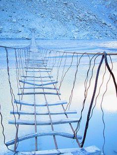 A bridge in Hunza, northern Pakistan. photo by Victor Anwar YIKES! That's a bridge? Karakorum Highway, Beautiful World, Beautiful Places, Amazing Places, Dangerous Roads, Suspension Bridge, Covered Bridges, Historical Sites, Beautiful Landscapes