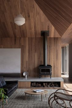 Point Lonsdale House is a holiday home with movable walls Garden; Timber Ceiling, Timber Walls, Living Room Trends, Living Spaces, Casa Do Rock, Moving Walls, Movable Walls, Casas Containers, House On The Rock