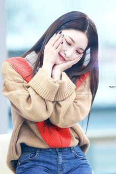✧ 𝚜𝚞𝚗𝚔𝚒𝚜𝚜𝚎𝚜𝚖𝚎 ✧ - ✧ 𝚜𝚞𝚗𝚔𝚒𝚜𝚜𝚎𝚜𝚖𝚎 ✧ Source by reeeeneeeeeeeeee - Kpop Girl Groups, Korean Girl Groups, Kpop Girls, Redhead Girl, Brunette Girl, K Pop, Kim Chanmi, Kim Chungha, Oppa Gangnam Style
