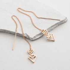 Featuring on-trend pull-through style, our sleek geometric earrings lend edgy yet feminine appeal to any outfit. Ear Jewelry, Cute Jewelry, Gold Jewelry, Jewelry Accessories, Jewelry Design, Jewellery, Stylish Jewelry, Fashion Jewelry, Steampunk Fashion