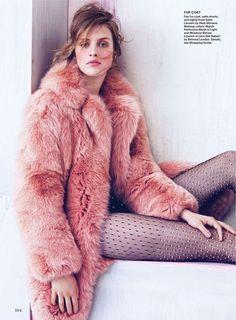 Julia Frauche by Sebastian Kim for Allure Oct 2013 kunstfell Fur Fashion, Fashion Models, Fashion Blogs, Lifestyle Fashion, Travel Fashion, Street Fashion, Womens Fashion, Chinchilla, Fur Hat World