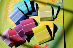 Je kent ze wel, die kleurkaartjes voor in huis. Handig op veel gebieden, maar nadat het kleur gekozen is, belanden ze meestal in de vuilnisbak. Althans, belandden met dubbele d, want ge kunt er zoveel meer mee!