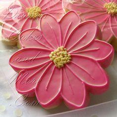 pretty flower cookie