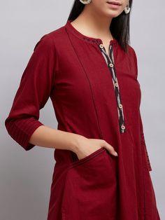 New Fashion : Beautiful Plain Kurti Designs, Cotton Saree Blouse Designs, Simple Kurti Designs, Kurta Designs Women, Kurta Cotton, Cotton Tunics, Jay P, Kurta Patterns, Sleeves Designs For Dresses