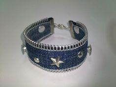 Space Mooi: Do it yourself Diy - Denim bracelet with studs - x Mooi Space - - Diy Denim Bracelets, Denim Earrings, Fabric Bracelets, Beaded Bracelets, Zipper Bracelet, Zipper Jewelry, Wire Jewelry, Jewelry Crafts, Handmade Jewelry