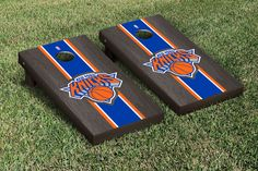 Show your team spirit with this officially licensed, regulation-sized Indiana Pacers Onyx Stained Stripe Version Cornhole Game set! Your game is ready to play r Nba New York, New York Knicks, Cornhole Game Sets, Sacramento Kings, Corn Hole Game, Indiana Pacers, Orlando Magic, Dallas Mavericks, Backyard Games