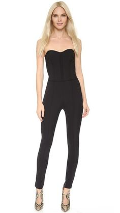 ¡Consigue este tipo de corsé de VERONICA BEARD ahora! Haz clic para ver los detalles. Envíos gratis a toda España. Veronica Beard Bustier Jumpsuit: A sexy Veronica Beard jumpsuit with modern bustier detailing. Tailored, boned bodice with sweetheart neckline. Raised seaming accents the slim trousers. Welt back pockets. Hidden side zip. Lined bodice. Fabric: Stretch crepe. 86% nylon/14% elastane. Dry clean. Made in the USA. Measurements Inseam: 28.25in / 71.5cm Leg opening: 10.75in / 27cm M...