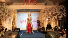 0877-0115-7774   Indonesian Traditional Wedding with Tyas Mirasih by Rad...