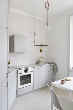 Swedish pale pink apartment with grey kitchen units Kitchen Cabinets Decor, Farmhouse Kitchen Cabinets, Kitchen Units, Old Kitchen, Kitchen Cabinet Design, Kitchen Dining, Kitchen Ideas, Kitchen Layouts, Kitchen Craft