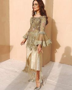 indian fashion Blouse -- CLICK Visit link above to read Pakistani Formal Dresses, Pakistani Wedding Outfits, Pakistani Dress Design, Nikkah Dress, Indian Dresses, Indian Outfits, Pakistani Clothing, Pakistani Couture, Pakistan Fashion