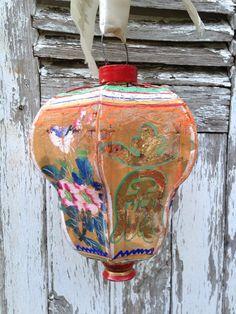Vintage Chinese Lanterns, Chinese Paper Lanterns, Antique Lanterns, How To Make Lanterns, Lantern Lamp, Chinoiserie Chic, Silk Painting, Lamp Light, Art Decor