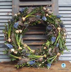 Osterkranz- Osterkranz Osterkranz - - Lilly is Love Easter Flower Arrangements, Easter Flowers, Floral Arrangements, Easter Wreaths, Christmas Wreaths, Christmas Decorations, Holiday Decor, Christmas Ideas, Fleurs Diy