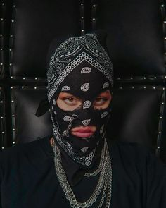 Girl Gang Aesthetic, Badass Aesthetic, Red Aesthetic, Flipagram Couple, Jóias Body Chains, Mode Rihanna, Fille Gangsta, Tupac Pictures, Thug Girl