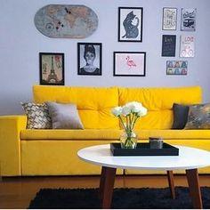 A  @aline_nascimento89 arrasou na decoração da sala de estar! O ambiente ficou super fofo e  descolado com a Mesa de Centro Redonda Tóquio Branca e Mel. A-M-A-M-O-S!     #decore #decoracao #arquiteturadeinteriores #designdeinteriores #moblybr #mobly #inspiração #inspiration #homesweethome #home #homedecor #homedesign #lovehome #lovedecor #mesadecentro #repost #regrann