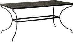 Vackert bord med underrede i järn och skiva i sten. Skapa en atmosfär som för tankarna till medelhavet med detta charmiga bord. Dess tidlösa elegans och robusta kvalitet gör att det passar precis lika bra i matsalensom i trädgården. Mått: 160 x 82 cm, H75 cm