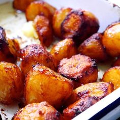 🖤 Marmite Roast Potatoes 🖤 recipe now live, direct link in bio. A million thank yous to for this gift of an idea. Vegetarian Roast, Vegetarian Recipes Easy, Vegetable Recipes, Cooking Recipes, Healthy Recipes, Savoury Recipes, Pastry Recipes, Tacos Vegan, Marmite Recipes