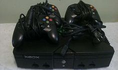 Original Microsoft XBOX console Bundle w/ 3 CONTROLLERS - tested and working