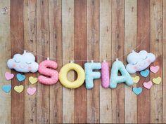 Varal com nome em feltro - Baby Crafts, Felt Crafts, Diy And Crafts, Unicorn Birthday, Baby Birthday, Diy For Kids, Crafts For Kids, Baby Mobile, Felt Diy