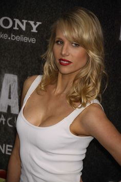 Lucy Punch [1212272227]