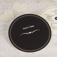Geef jullie mooiste dag vorm met deze ronde kaart met letterpress effect. Val op met deze stijlvolle kaart!Ronde kaart